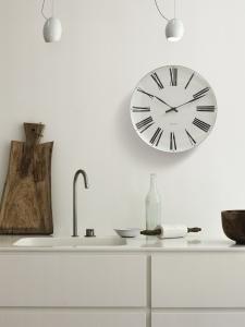 AJ Roman Wanduhr von Rosendahl Timepieces